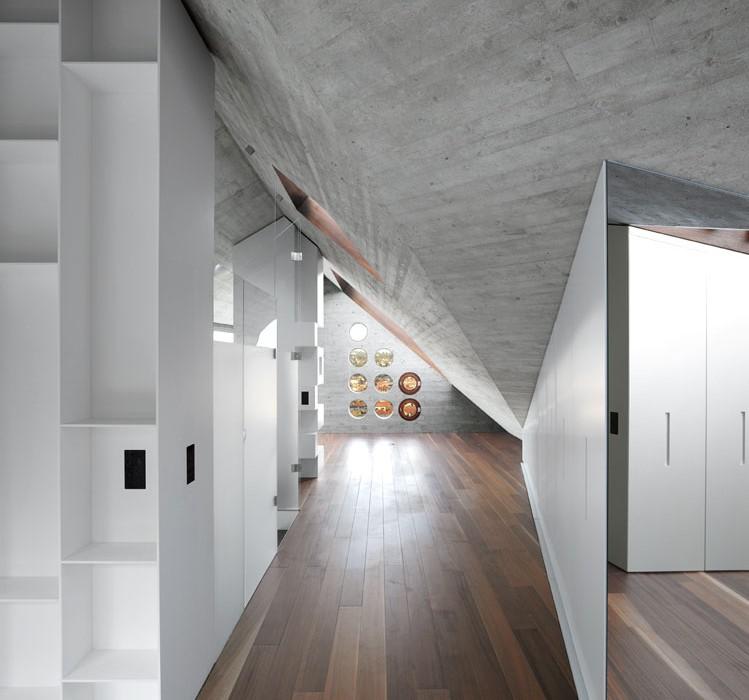 House-36-is-Shaped-like-a-Mountain-Crystal-Stuttgart-14