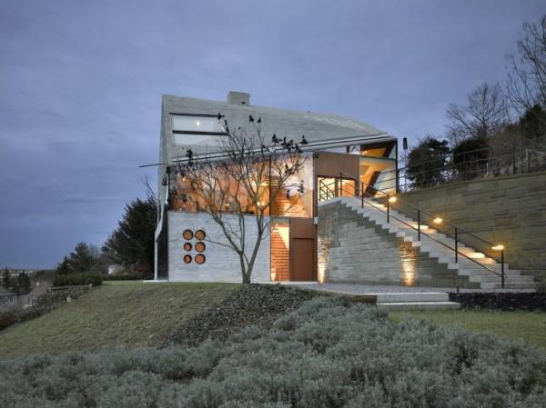 House-36-is-Shaped-like-a-Mountain-Crystal-Stuttgart-3