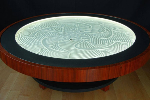 kinetic-sand-drawing-table-4-900x543