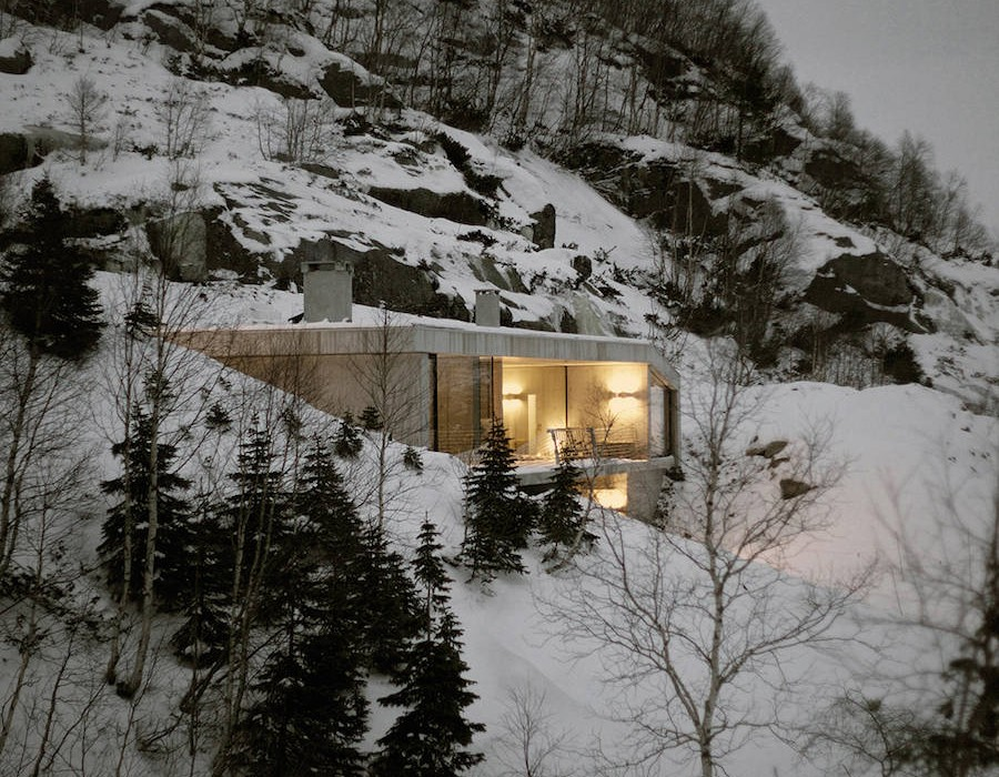 modern-concrete-house-in-norway-5-900x1350