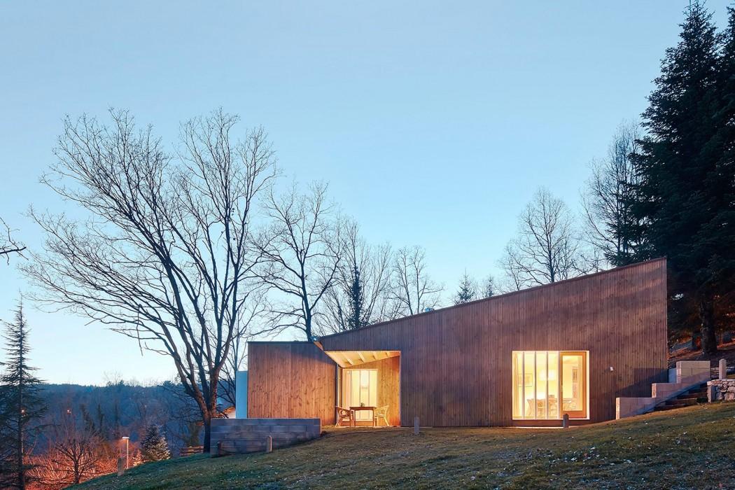 prefab-cottage-pyrenees-marc-mogas-architecture-residential_dezeen_hero