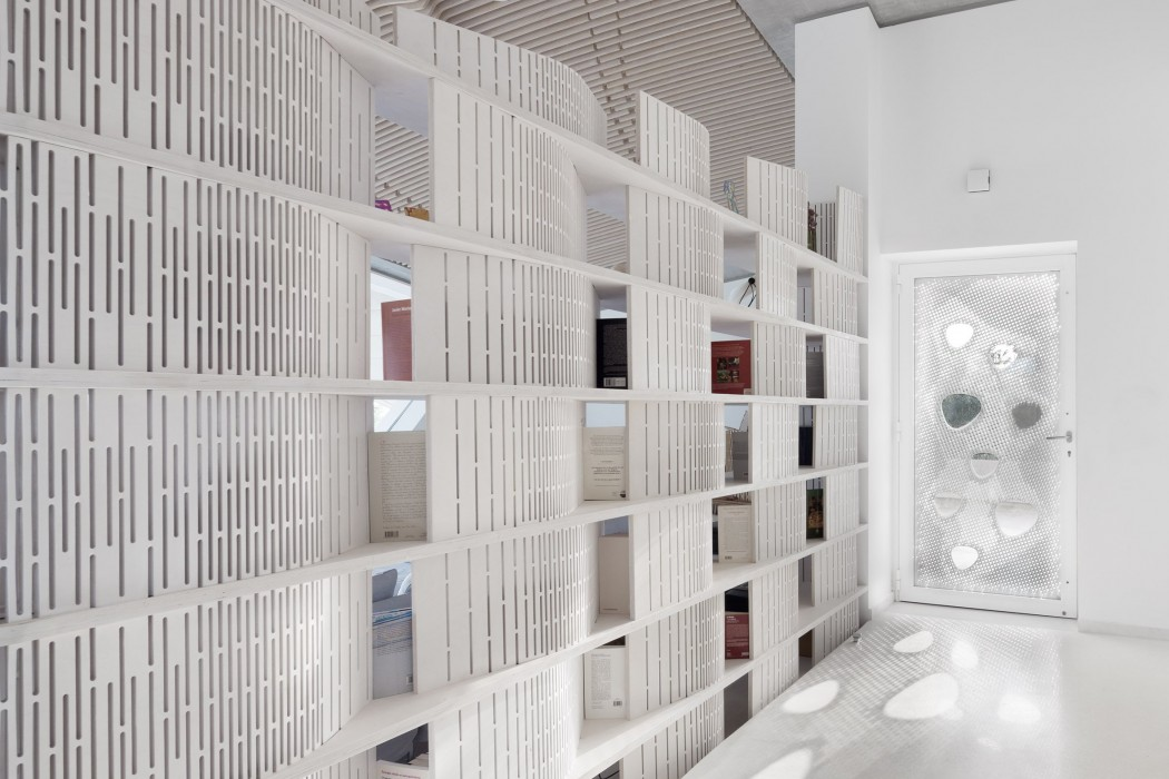 villa-ypsilon-lassa-architecture-residential-greece_dezeen_2364_col_6