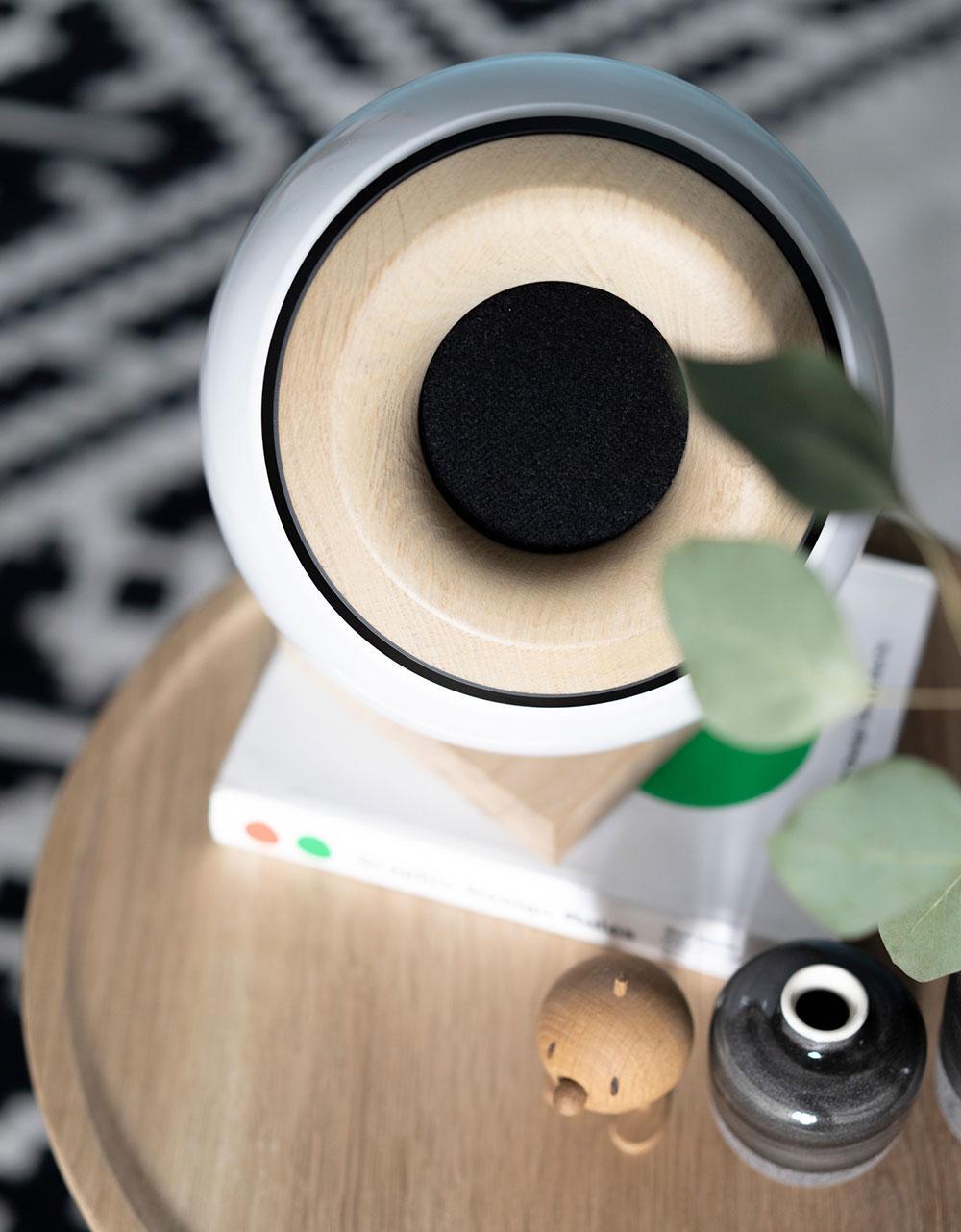Oupio Speaker and Light Combo